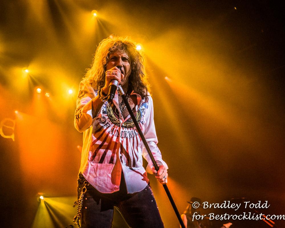 Whitesnake Lead Singer Whitesnake Concert Review Amp Photos 6 10 16 Hammond In